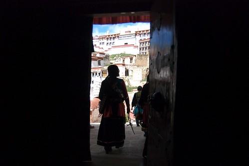 transiti [ door to outside ]