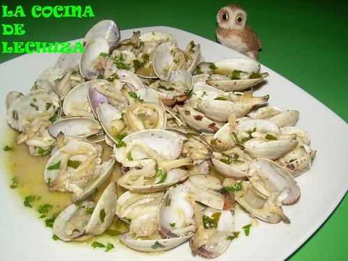 Almejas salsa verde plato
