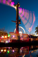 Fair Purmerend (Peter Gol) Tags: carnival reflection ride rad fair kermis purmerend canoneos450d