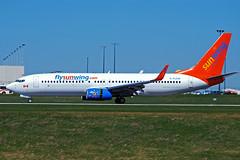 C-FLSW (Sunwings Airlines) (Steelhead 2010) Tags: boeing yyz b737 sunwing b737800 creg cflsw