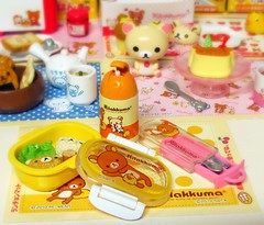 5  (applel0ve) Tags: cute bird relax lunch box bears fork spoon homemade onigiri kawaii mug bento rement utensil thermal 2010 kuma rilakkuma sanx  korilakkuma kiiroitori