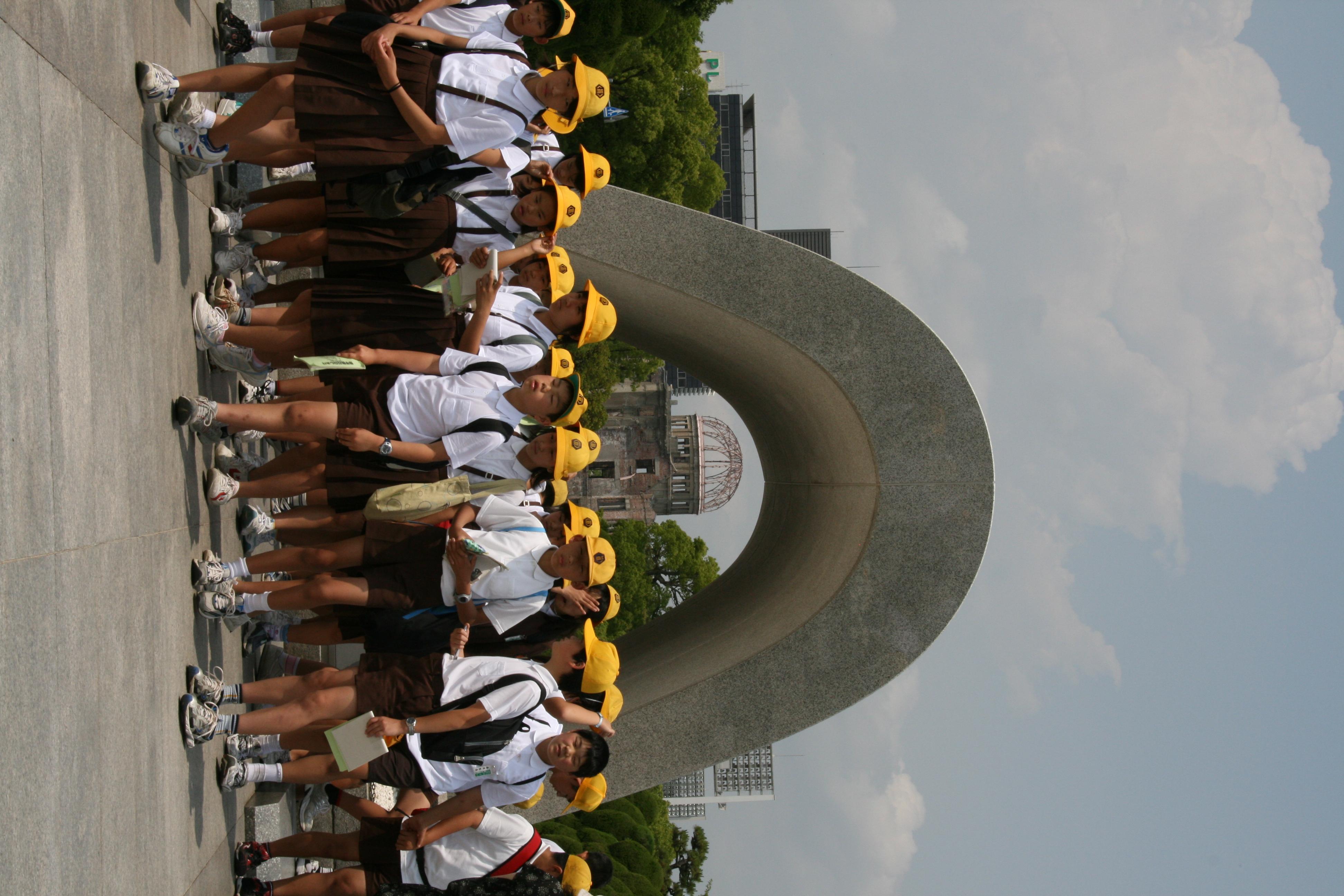 女子小学生の制服 5着目YouTube動画>7本 ->画像>632枚