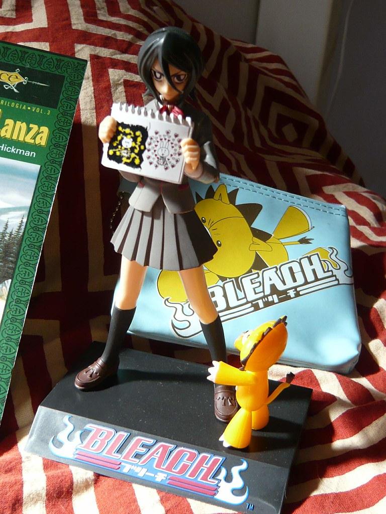 Rukia y monedero Kon de mi gente