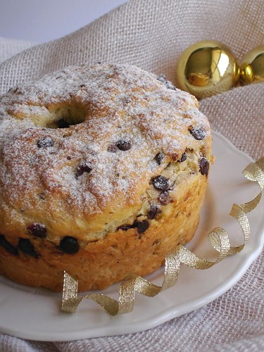 Chocolate, pistachio and cranberry panettone