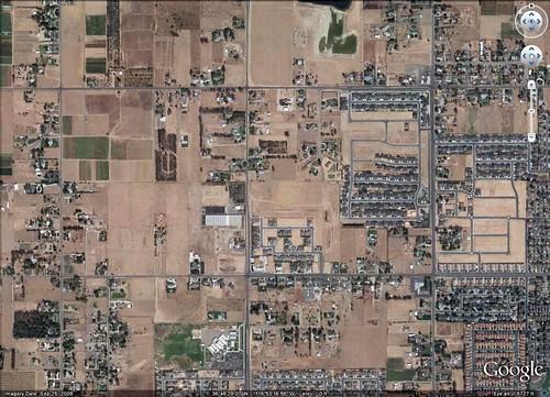 haphazard sprawl near Fresno (via Google Earth)
