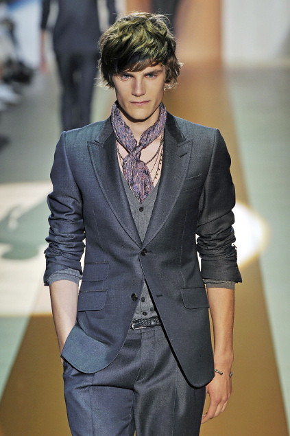 Anthon Wellsjo3037_SS11_Milan_Gucci(first VIEW)