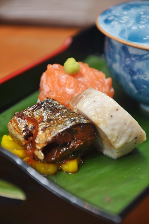 slow-Boiled Saury Fish Rolled Chicken Salmon canape