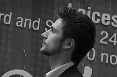 [フリー画像] [人物写真] [男性ポートレイト] [外国人男性] [イケメン] [横顔] [イギリス人] [モノクロ写真]    [フリー素材]