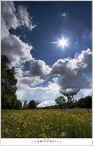 Figuur 2: Soms is geen HDR nodig: Schotelantennes van Westerbork, recht tegen de zon in