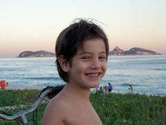 Tô cansado....... (claudio rosa) Tags: sea sun beach smile brasil children mar pedro sorriso byclaudiorosa