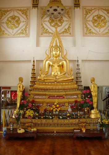 Main hall buddha (2)
