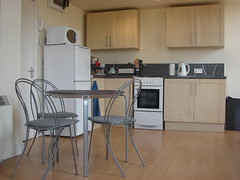 ONE BEDROOM STUDIO APARTMENT, FOREST HEY, LOUGHBOROUGH. (lisa sbitany LUFBRALETS) Tags: student lets loughborough wwwlufbraletscomstudentonebedid64