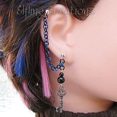 Blue and Black Key Cartilage Chain Earring