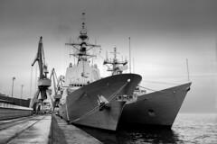 "Buque ""Castilla"" (Xicu) Tags: white black blanco army boat war barco ship negro guerra asturias armada bn spanish gijon exibition buque espaola exibicion ltytr1"