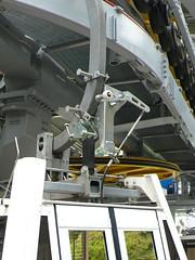 纜車車廂的吊臂與自動開關門系統