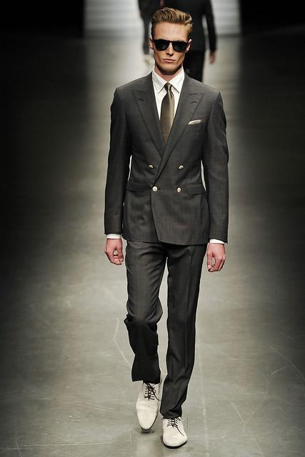 Brandon Wilson3050_SS11_Milan_Canali(VOGUEcom)