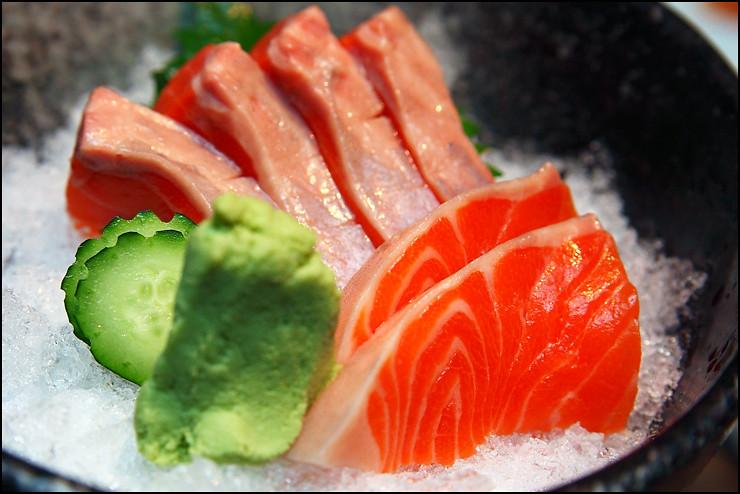 salmon-sashimi