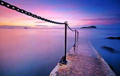 Stairing at the sea (Semi-detached) Tags: light sunset sea clouds stairs coast scotland big long exposure harbour north warmth east shore 09 lee nd grad berwick stopper semidetached