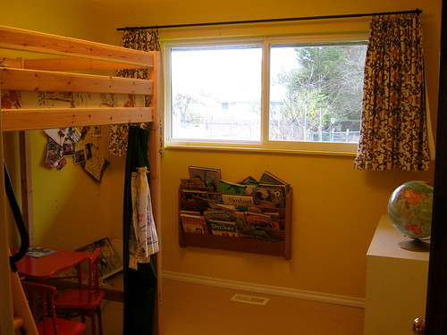 yellow kids bedroom clean
