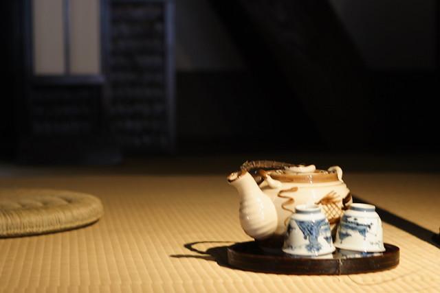畳部屋の茶器