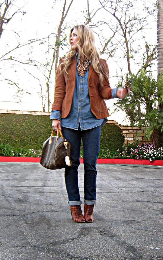 denim on denim look+cuffed jeans and denim button down+vintage corduroy blazer+lace up ankle boots+louis vuitton speedy+sharp