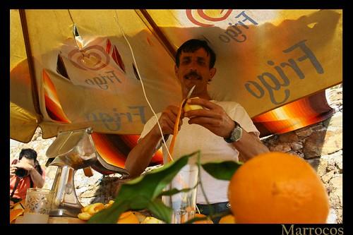 Making the famous oranje juice....
