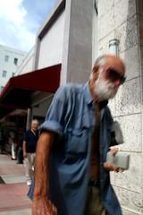 IMG_5378 (frank.kong) Tags: beach miami homeless bums smokenprfoits