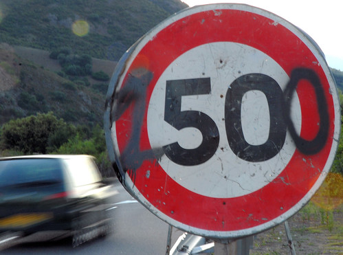 TRAFFIC SIGN IN CORSICA: SPEED LIMIT = 1500