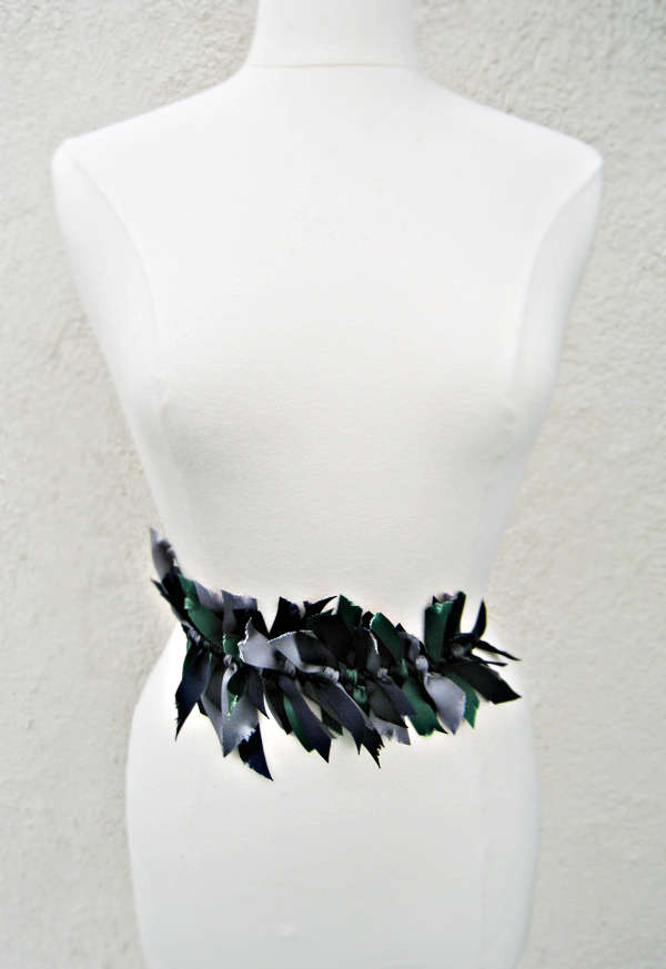 knotted ribbon belt DIY