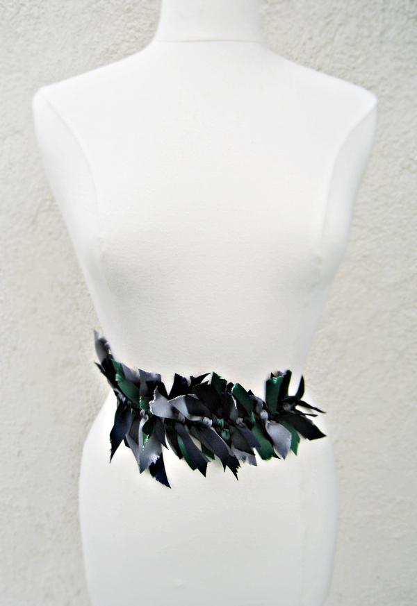 knotted ribbon belt DIY
