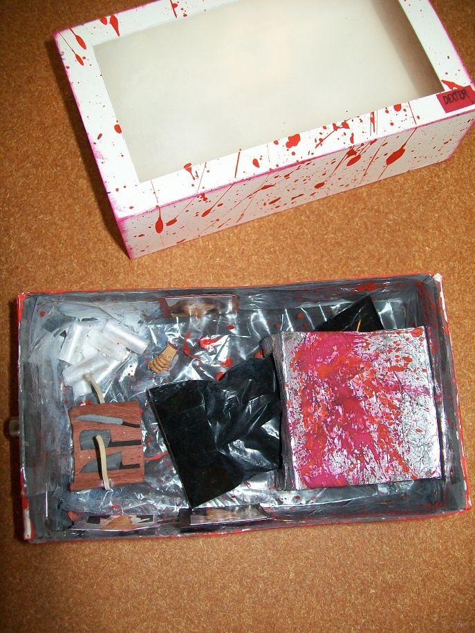 Dexter diorama matchbox - inside top
