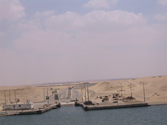 Suez-10 (RossM) Tags: theworld suezcanal