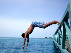 Love the ocean (Ashwa Faheem ( avva )) Tags: bridge blue sky happy jump hilton bluesky ribs maldives shahi lovetheocean avva rangalhiislandresort