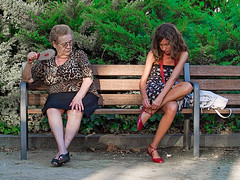 Some like it hot (Sator Arepo) Tags: summer portrait people del bench atardecer skull evening reflex shoes funny day gente retrato banco like talk olympus zapatos explore pirate verano bones marta 50200mm parc zuiko cambrils arrr talklikeapirateday pescador seora yarr e500 zd talklikeapirate uro sator arepo mywinners abigfave 50200mmed parcdelpescador retofez100323
