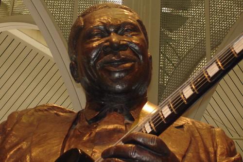 BB King Statue