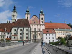 Steyr - Michaelerkirche - Austria (Been Around) Tags: bridge church austria sterreich europa europe niceshot travellers may kirche eu chiesa mai stmichael brcke sr obersterreich autriche austrian 2010 aut steyr 1mai o  upperaustria steyrdorf 5photosaday michaelerkirche a onlyyourbestshots brgerspital hauteautriche concordians thisphotorocks worldtrekker zwischenbrcken ortskai visipix expressyourselfaward taborturm flickrunitedaward bauimage diesteyr steyrbrcke pfarrestmichael