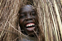 [フリー画像] [人物写真] [子供ポートレイト] [外国の子供] [少年/男の子] [中央アフリカ共和国人] [アフリカの子供] [笑顔/スマイル]    [フリー素材]