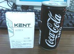 カロリー0のコーラは意外に小さい。
