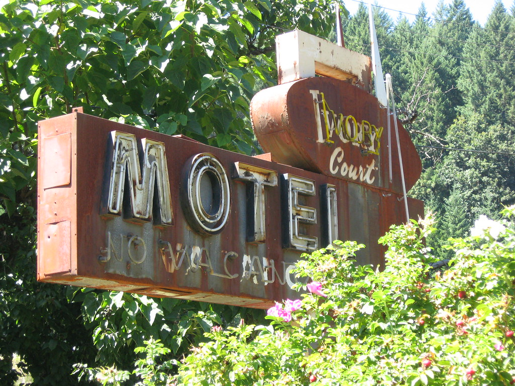 Vintage Motel Sign - Ivory Court - Leaburg, Oregon