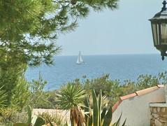 Meerblick (Martin Volpert) Tags: see mar spain wasser catalonia catalunya espagne spanien segelboot catalogna katalonien catalogne lametllademar mittelmeer puntagalera mavo43