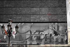 Preparant la festa 2 (Albert Ferr (Artbel )) Tags: espaa spain catalonia catalunya festa espagne catalua spanien reus reflejos reflexes campanar espanya katalonien catalogne plaamercadal caixagaud
