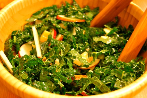 289/365: Raw Kale Salad