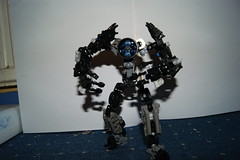 un-named moc 2 (fretless fender) Tags: blue black robot lego un technic unnamed bionicle named mech moc hunched