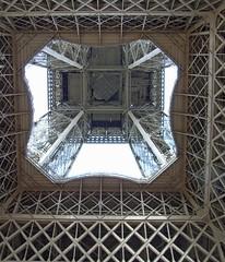 Eiffel Tower (sillie_R) Tags: paris tour eiffeltower eiffel theunforgettablepictures thechallengegame challengegamewinner