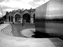 cutting edge #7 (Harry Halibut) Tags: shadow sculpture clock water lamp station stone square steel sheffield steps arches images edge cutting posts midland stainless keiko concourse allrightsreserved sheaf mukaide siapplied imagesofsheffield sheffieldsheafsqaure andrewpettigrew