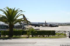 Flight Ryaniar 8392 from Stansted at Jerez Airport (Giz2020) Tags: españa airport spain andalucia ryanair jerez giz2020 aeropuertodejerez