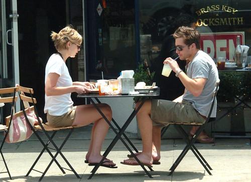 script120805_11 · MarieAntoinetteDVD_564 · Kirsten Dunst mit Jake Gyllenhaal