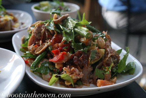 Tam Khai Yaang - roasted game hen salad