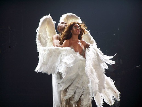 Beyoncé Experience Tour 020607 with Sexy angel