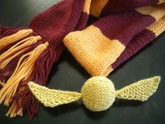 Harry Potter Scarf & Golden Snitch